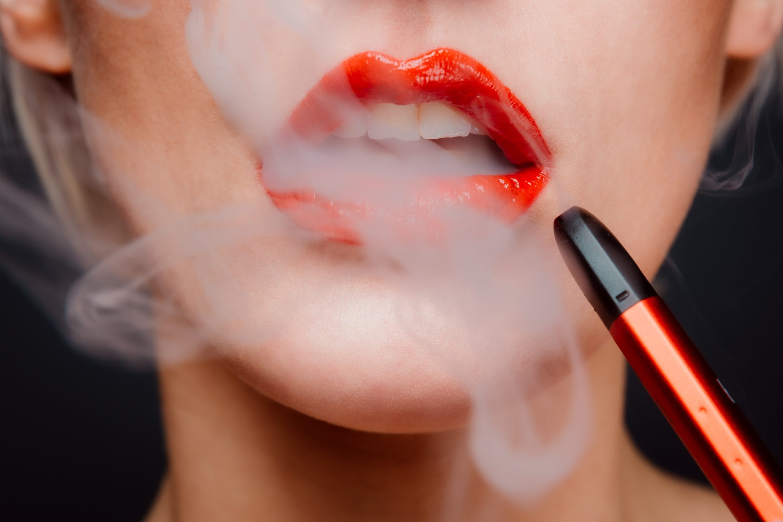 Is Vaping better for your teeth than Smoking?